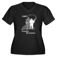 1967 Bigfoot Family Reunion Women's Plus Size V-Neck Dark T-Shirt